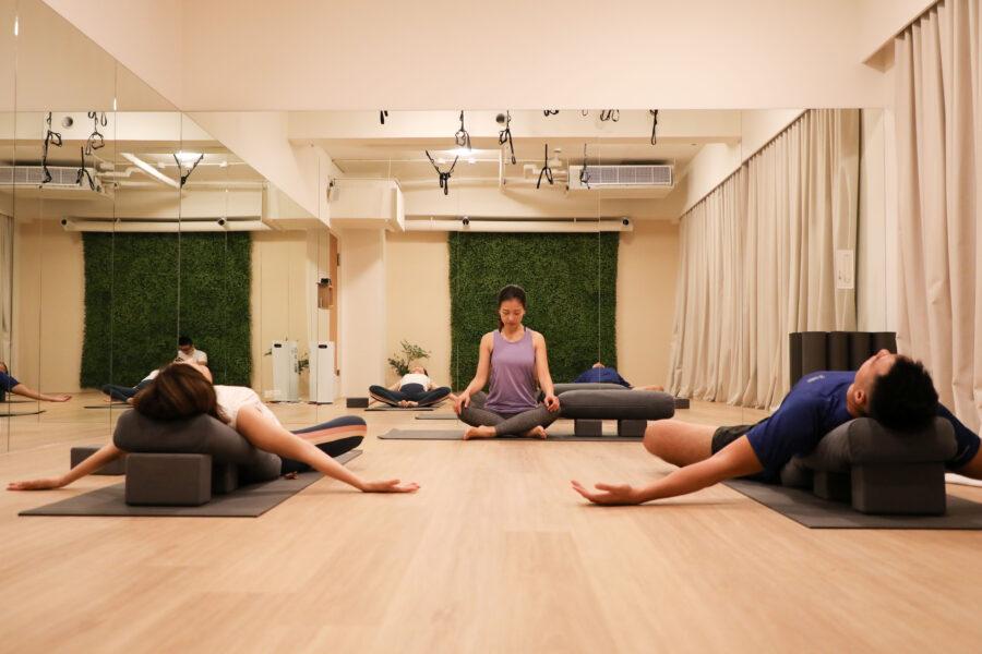 2F yoga-9